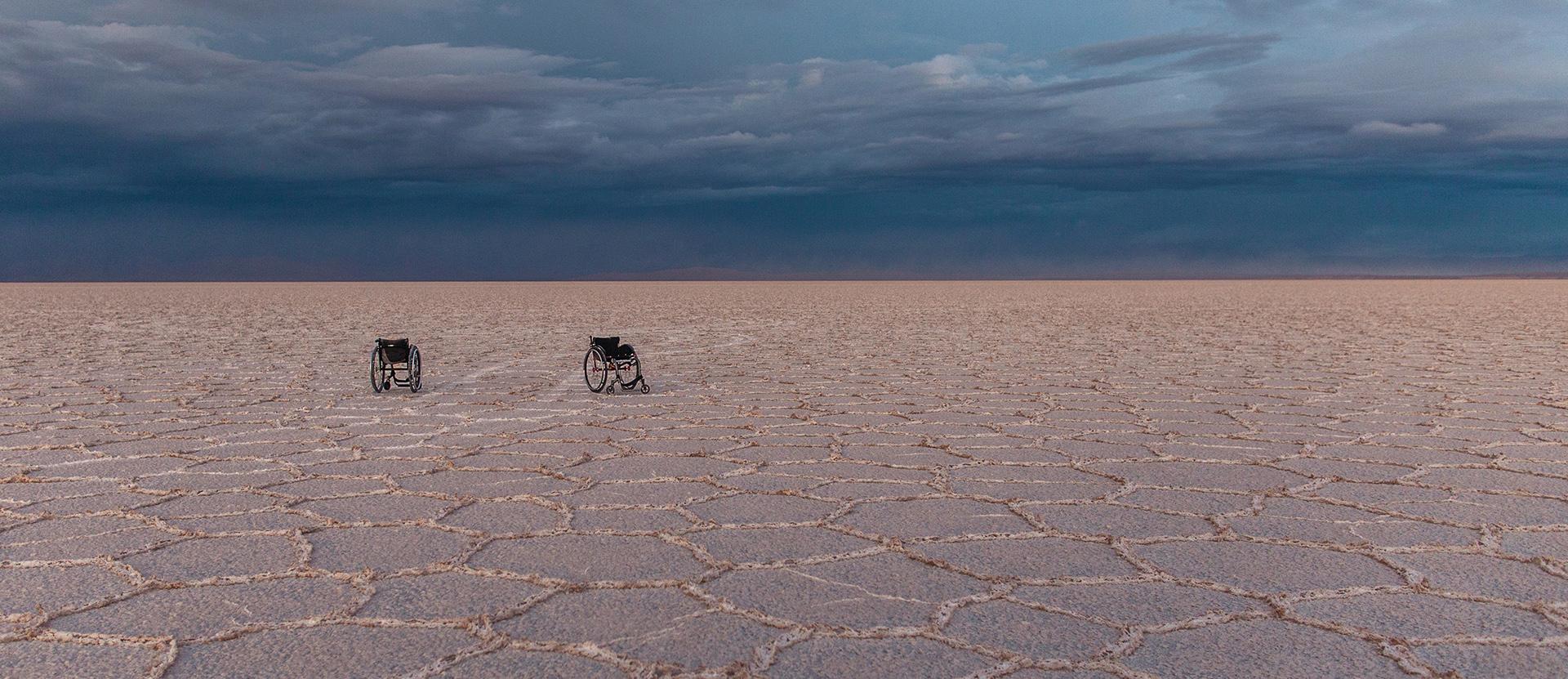 prelekcje i wystąpienia wózki na Salar de Uyuni zdjęcie zrobione na wyprawie Michał Worocha